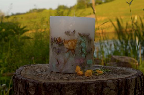 świece-na-zamowienie-z-kwiatami