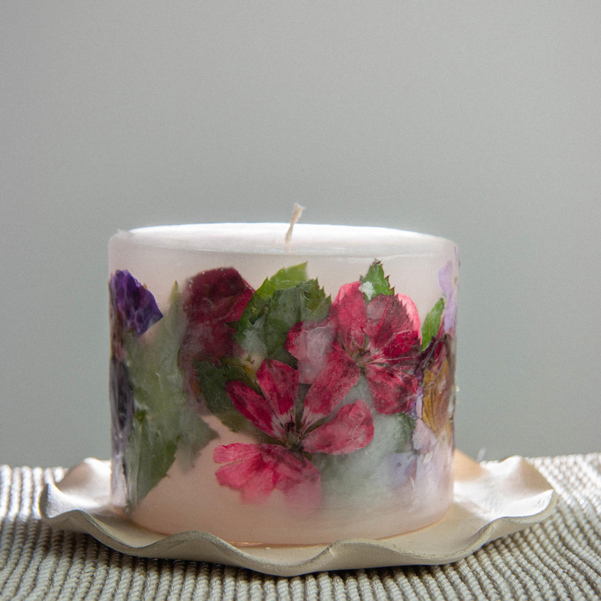 świece z suszoznymi kwiatami